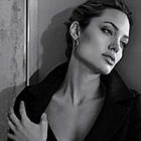 Angelina-Jolie-St-John-Ads-10