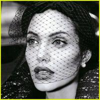 Angelina-Jolie-St-John01